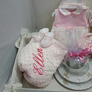 Canastillas infantiles personalizadas crisan decor for Vajilla bebe personalizada