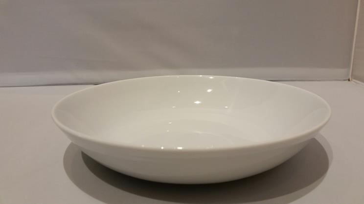 Plato hondo liso 21cm porcelana blanca for Platos porcelana blanca