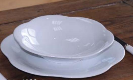 Plato llano 27cm ondas porcelana blanca for Platos porcelana blanca